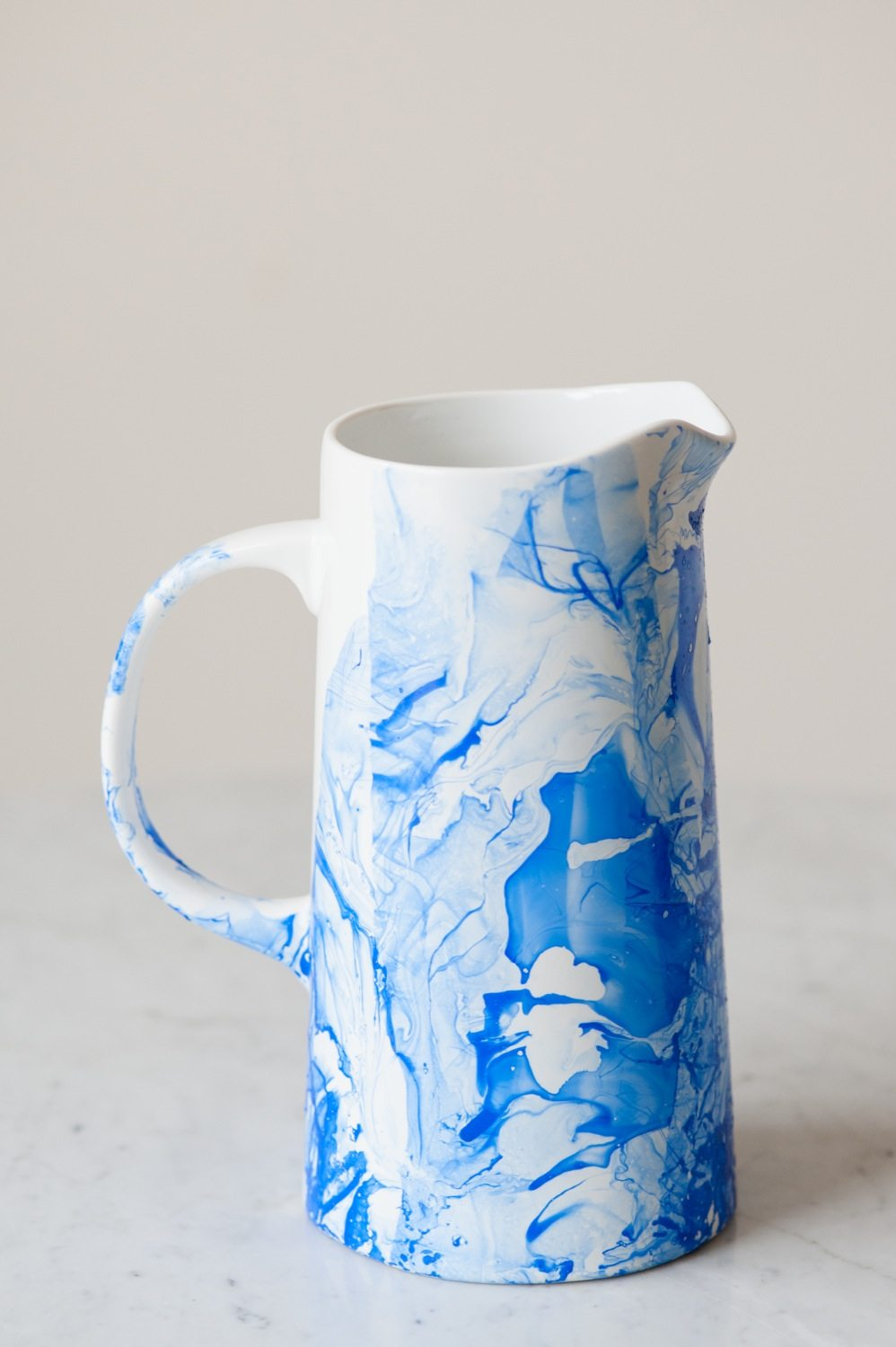 Diy marble pitcher the sweetest occasion for Ideas para decorar