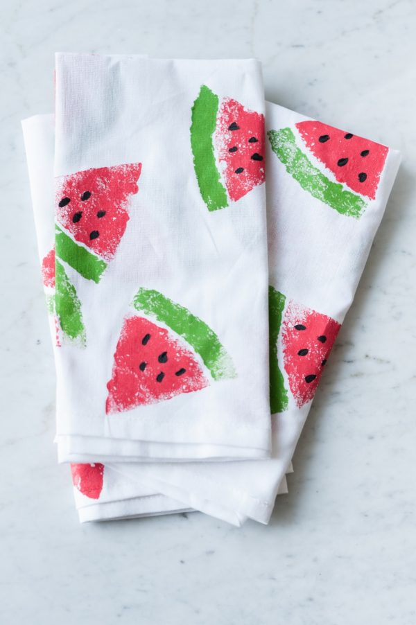 DIY Watermelon Print Napkins by @cydconverse