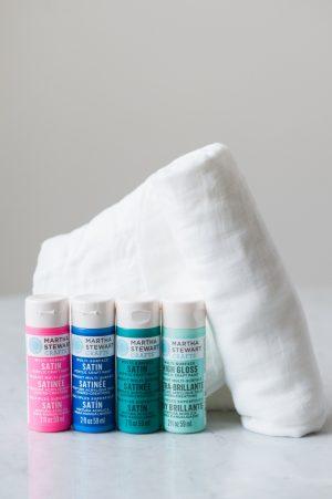 DIY Polka Dot Swaddle Blanket by @cydconverse