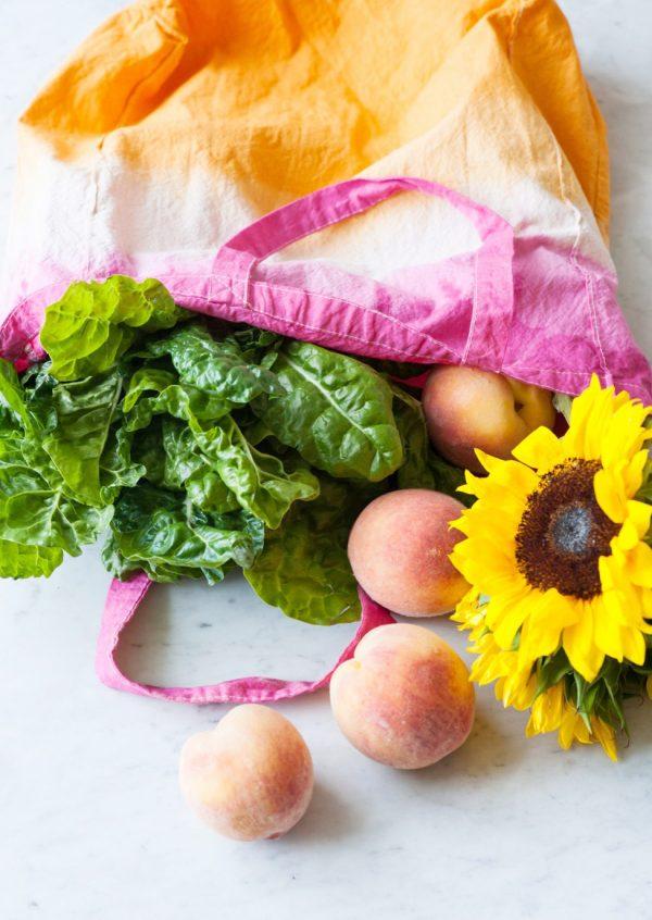 DIY Dip Dye Market Tote Bag by @cydconverse