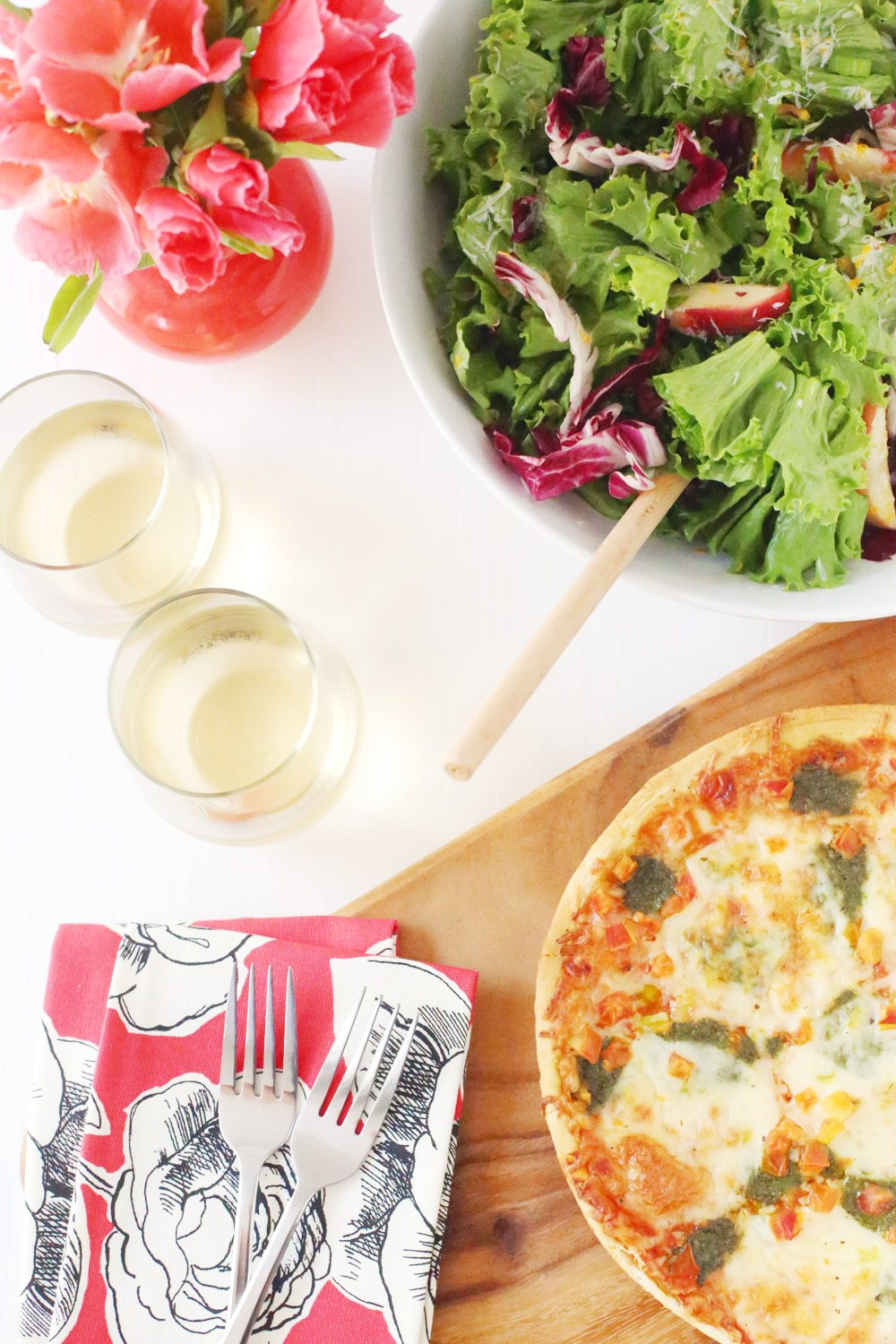 host a summer pizza party   giveaway