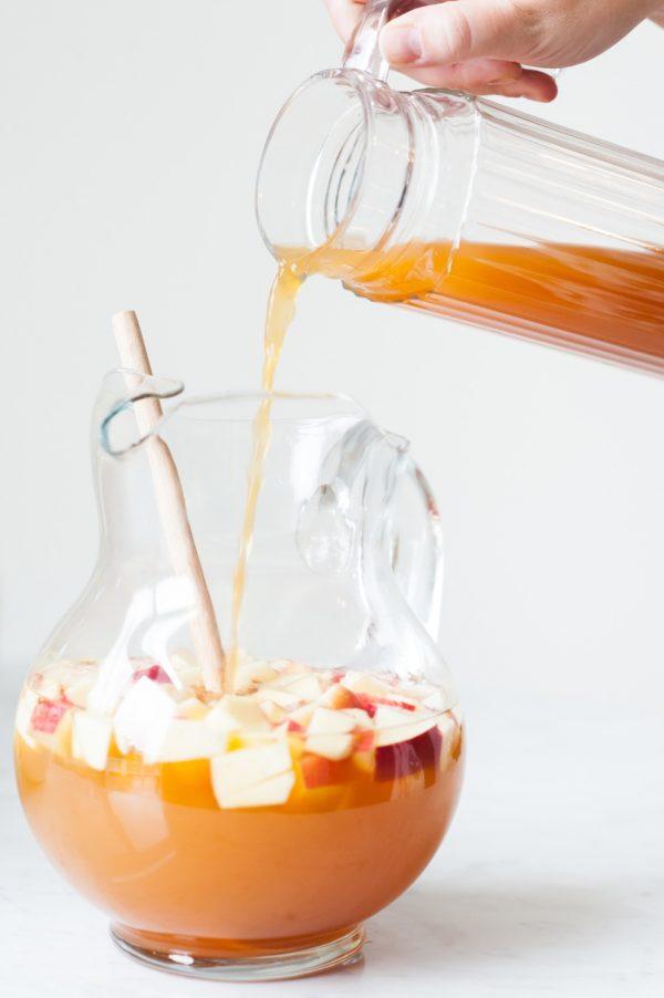 10-apple-cider-sangria