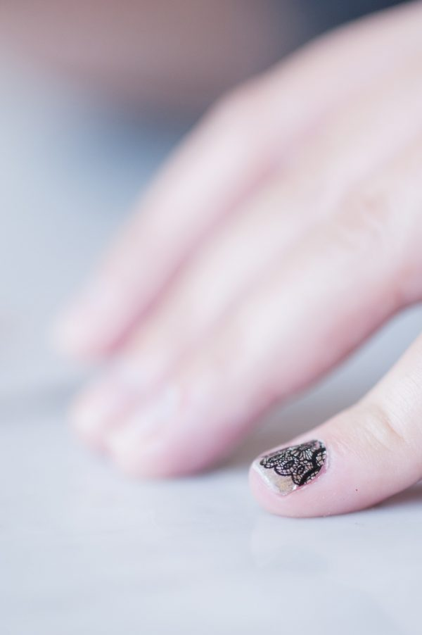 An Easy At Home DIY Manicure from @cydconverse