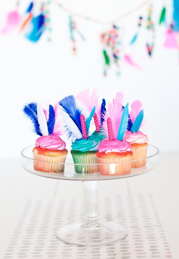 DIY Feather Cupcake Toppers