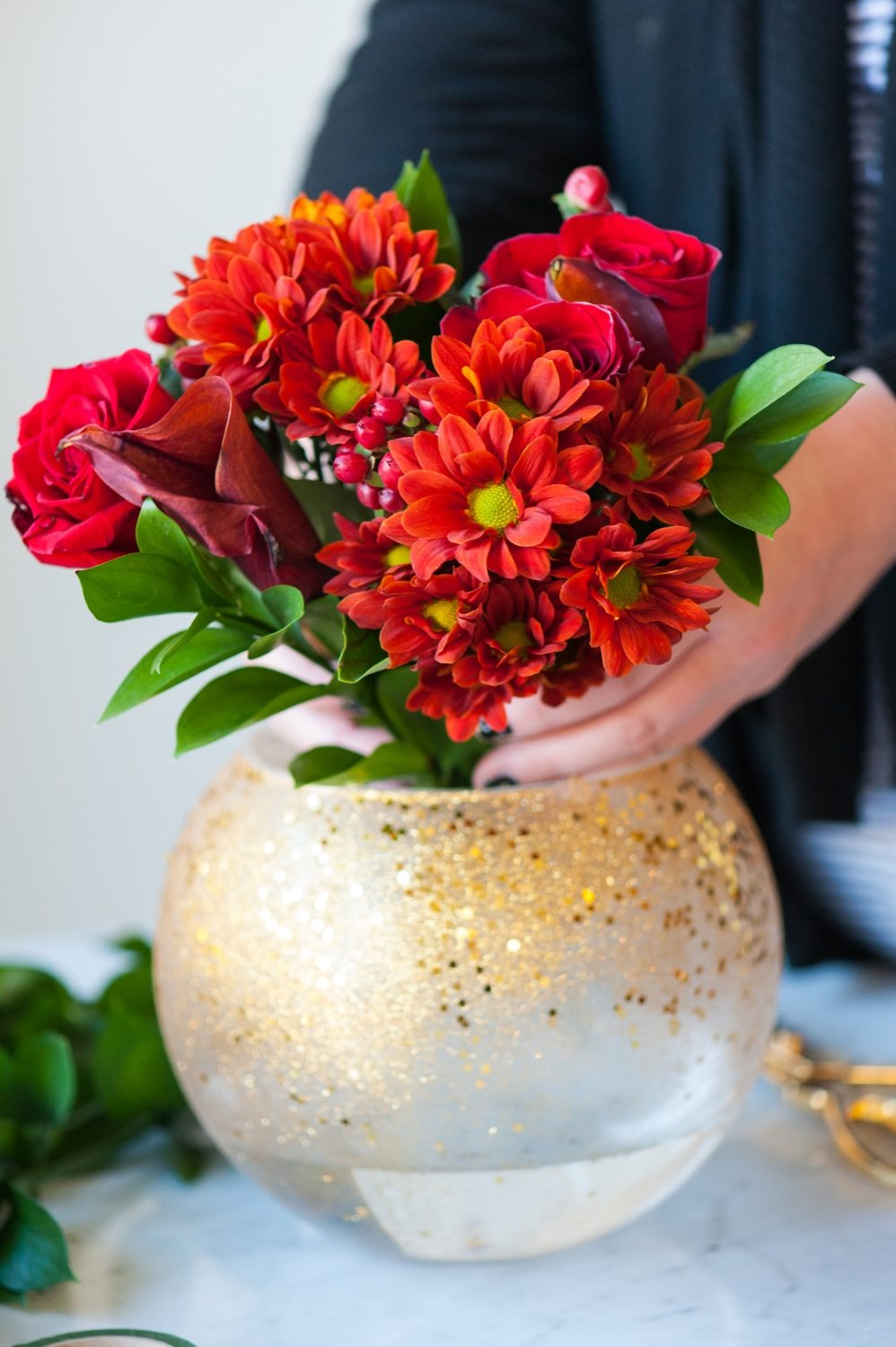 Diy gold confetti glitter vase the sweetest occasion