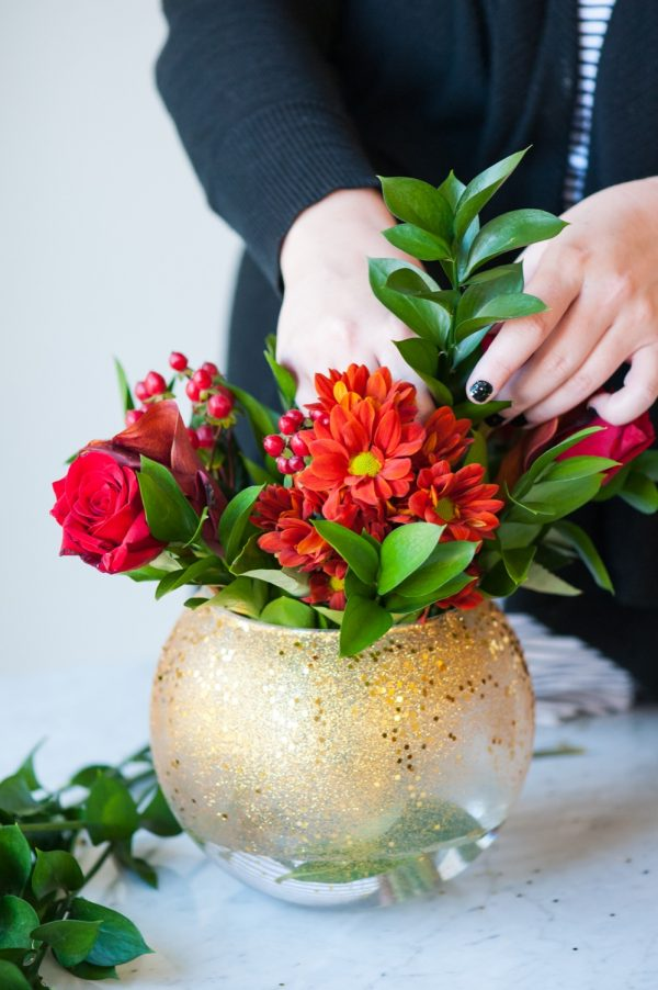 DIY Christmas Centerpiece by @cydconverse