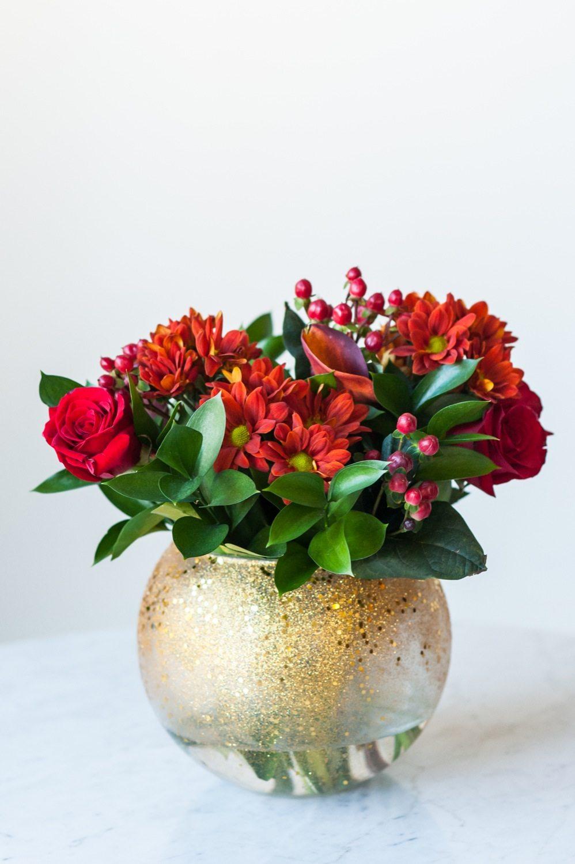 diy gold confetti glitter vase the sweetest occasion. Black Bedroom Furniture Sets. Home Design Ideas