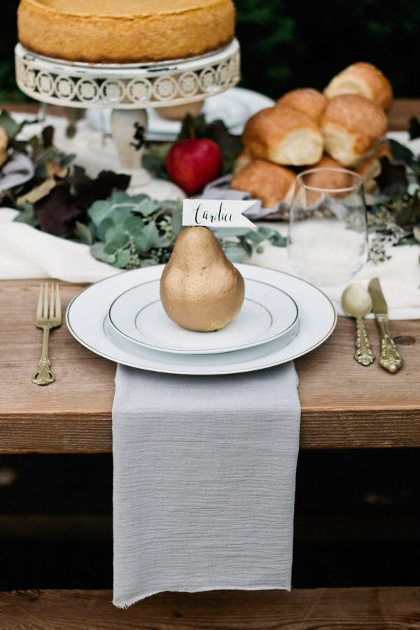 An Elegant Thanksgiving Table + Dessert Buffet from @cydconverse