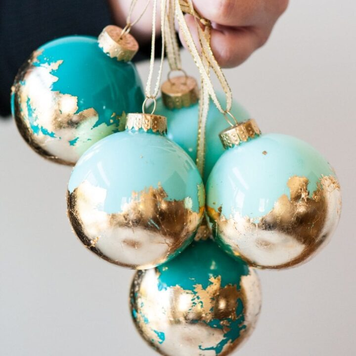 DIY Painted Gold Leaf Ornaments by entertaining blog @cydconverse | How to decorate glas ornaments