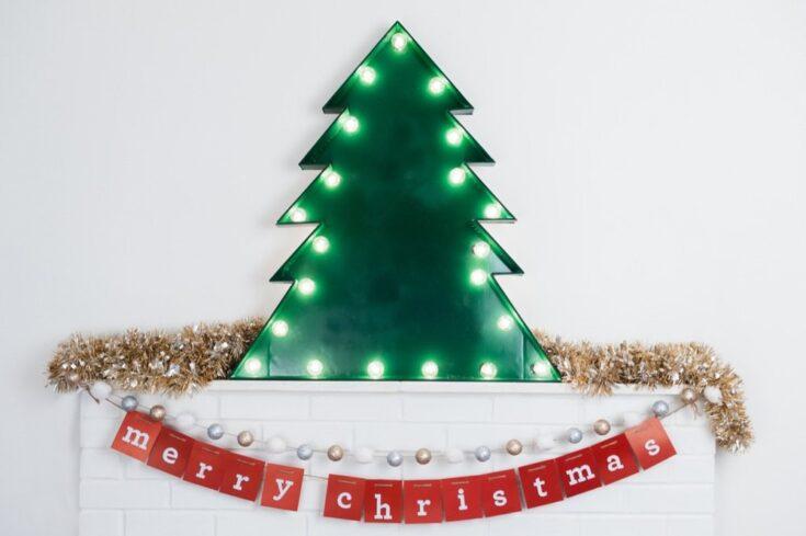 DIY Marquee Christmas Tree