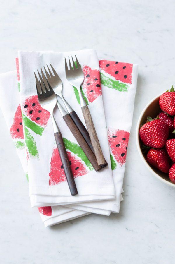 DIY Watermelon Print Napkins by @cydconverse