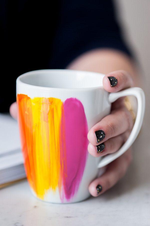 DIY Abstract Painted Mug by @cydconverse