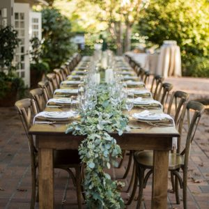 An Elegant Al Fresco Engagement Dinner Party thumbnail
