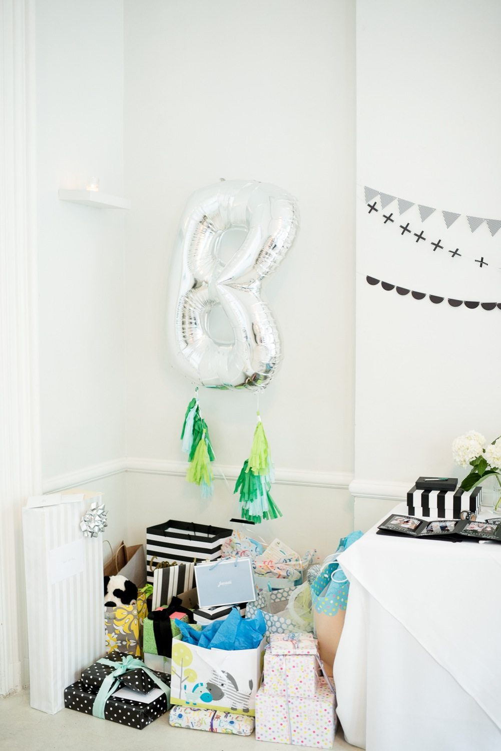 A graphic black white modern baby shower the sweetest for Baby shower decoration ideas blog