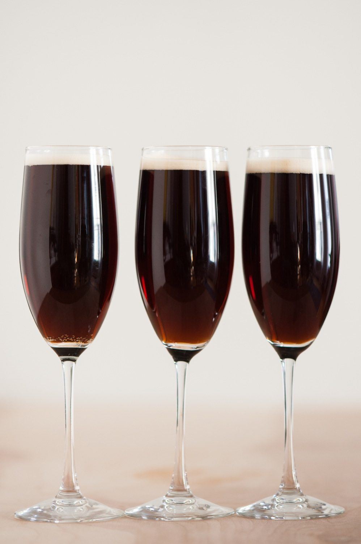 Black Velvet Cocktail | St. Patrick's Day Cocktail Recipes from @ ...