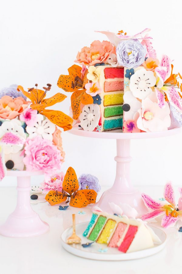 DIY Sugar Flower Cake | 15 Gorgeous Easter Cakes from @cydconverse