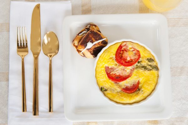 How to Host a Sweet and Simple Spring Brunch from @cydconverse