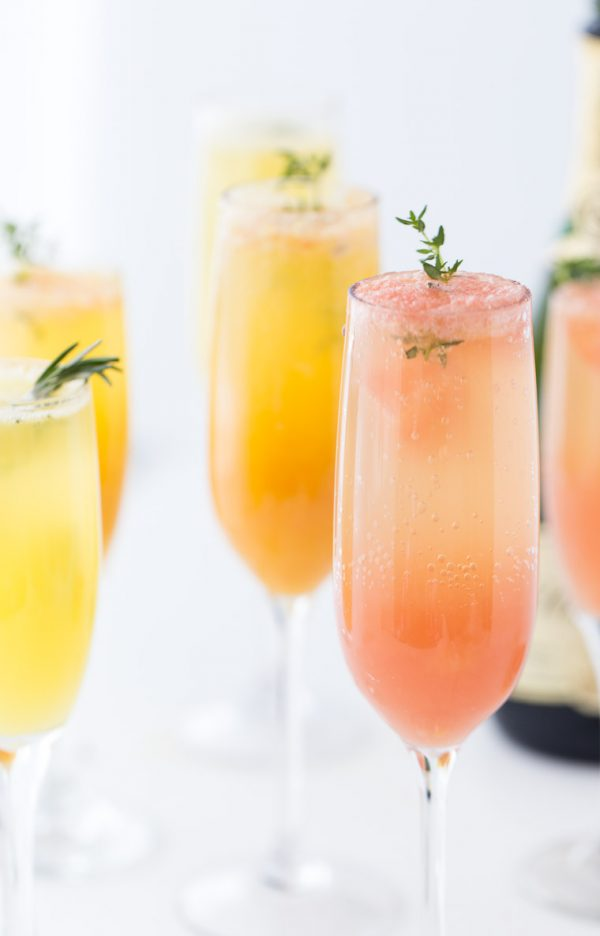 Grapefruit Mimosa | Mimosa recipes + Easter brunch ideas from @cydconverse