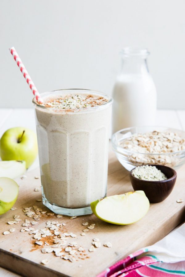 Apple n' Oats Smoothie   Healthy Breakfast Recipes from @cydconverse