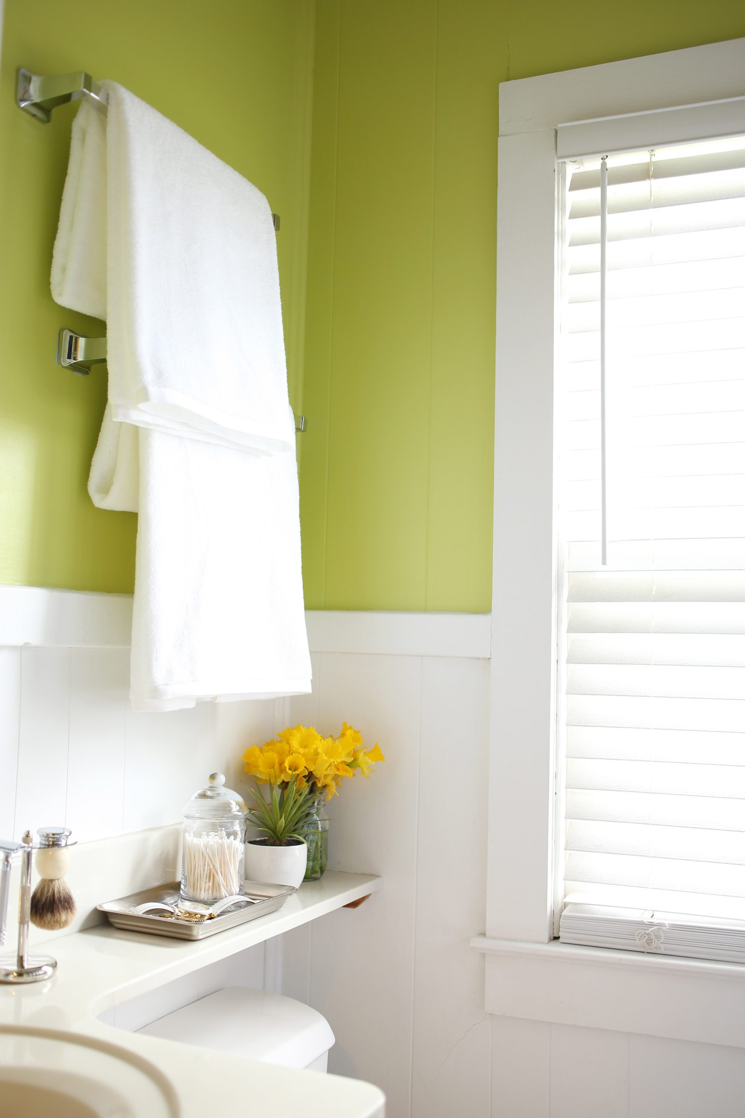 A Fresh + Colorful Bathroom Makeover | 31 Days of Color ...