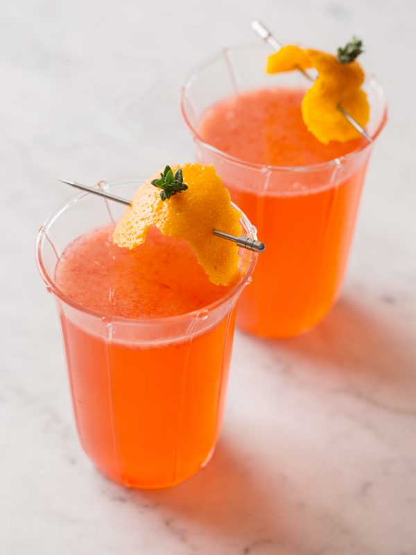 Blood Orange Mimosa Recipe | Mimosa recipes + Easter brunch ideas from @cydconverse
