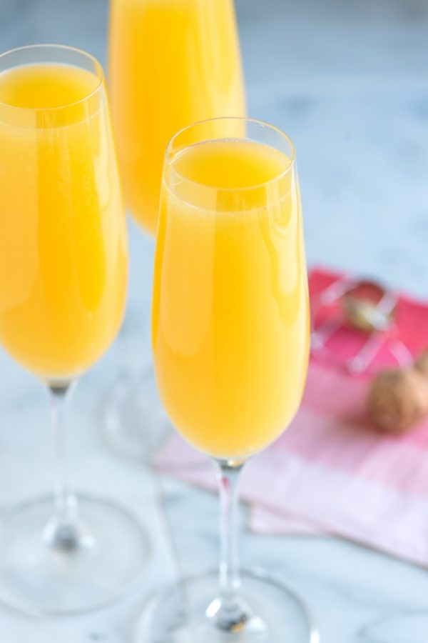 Classic Mimosa Recipe | Mimosa recipes + Easter brunch ideas from @cydconverse
