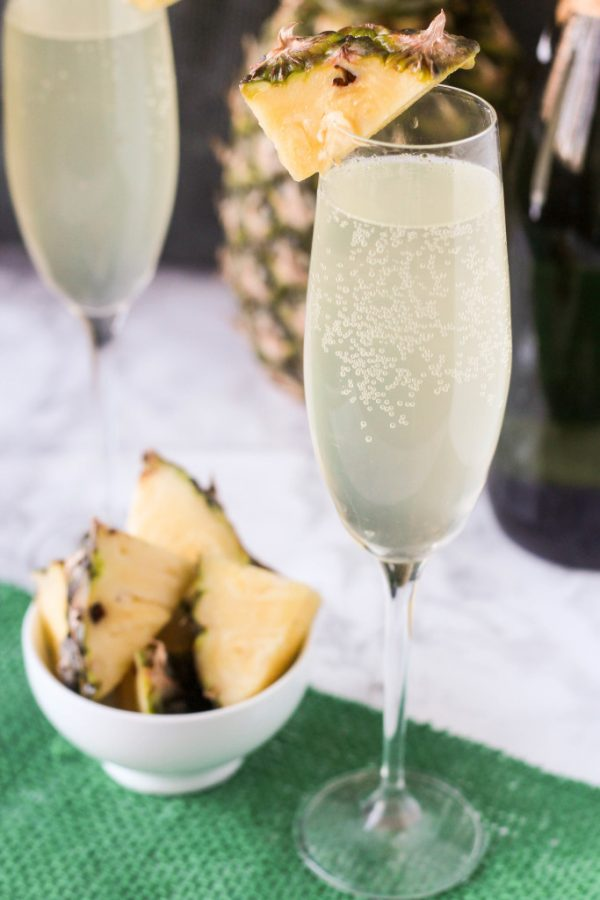 Pineapple Mimosa | Mimosa recipes + Easter brunch ideas from @cydconverse