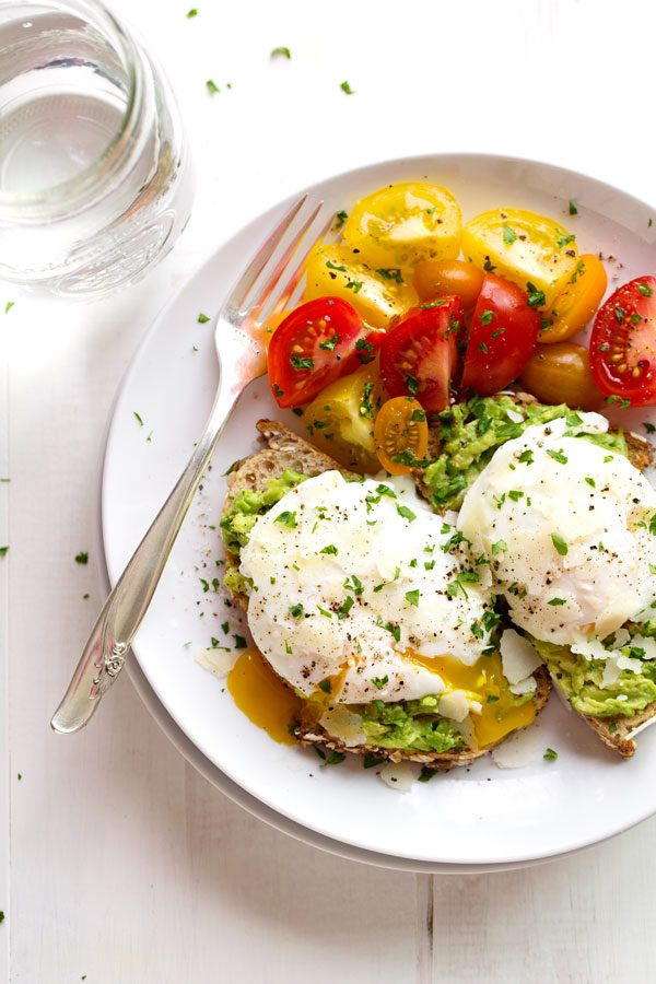 Poached Eggs with Avocado Toast   Healthy Breakfast Recipes from @cydconverse