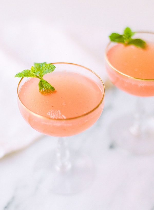 Watermelon Mimosa Recipe | Mimosa recipes + Easter brunch ideas from @cydconverse