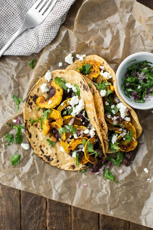 Squash Tacos Recipe with Black Beans | Get your fix of taco recipes and the ultimate classic margarita recipe and loads of Cinco de Mayo party ideas at The Sweetest Occasion! Click to check it out or repin to save for later!