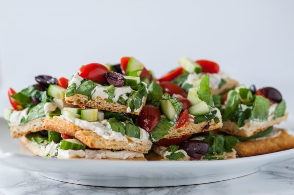 Mediterranean Veggie Flatbread Recipe   Entertaining ideas, appetizer recipes and more from @cydconverse
