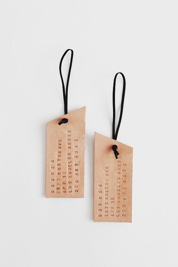 DIY Leather Luggage Tags | Homemade Mother's Day Gift Ideas and DIY Gift Ideas from @cydconverse