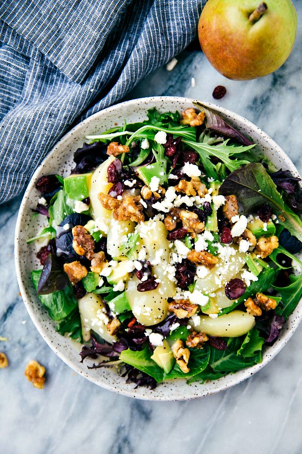 Candied Walnut and Pear Salad with Poppyseed Dressing | Best summer salad recipes for dinner from @cydconverse