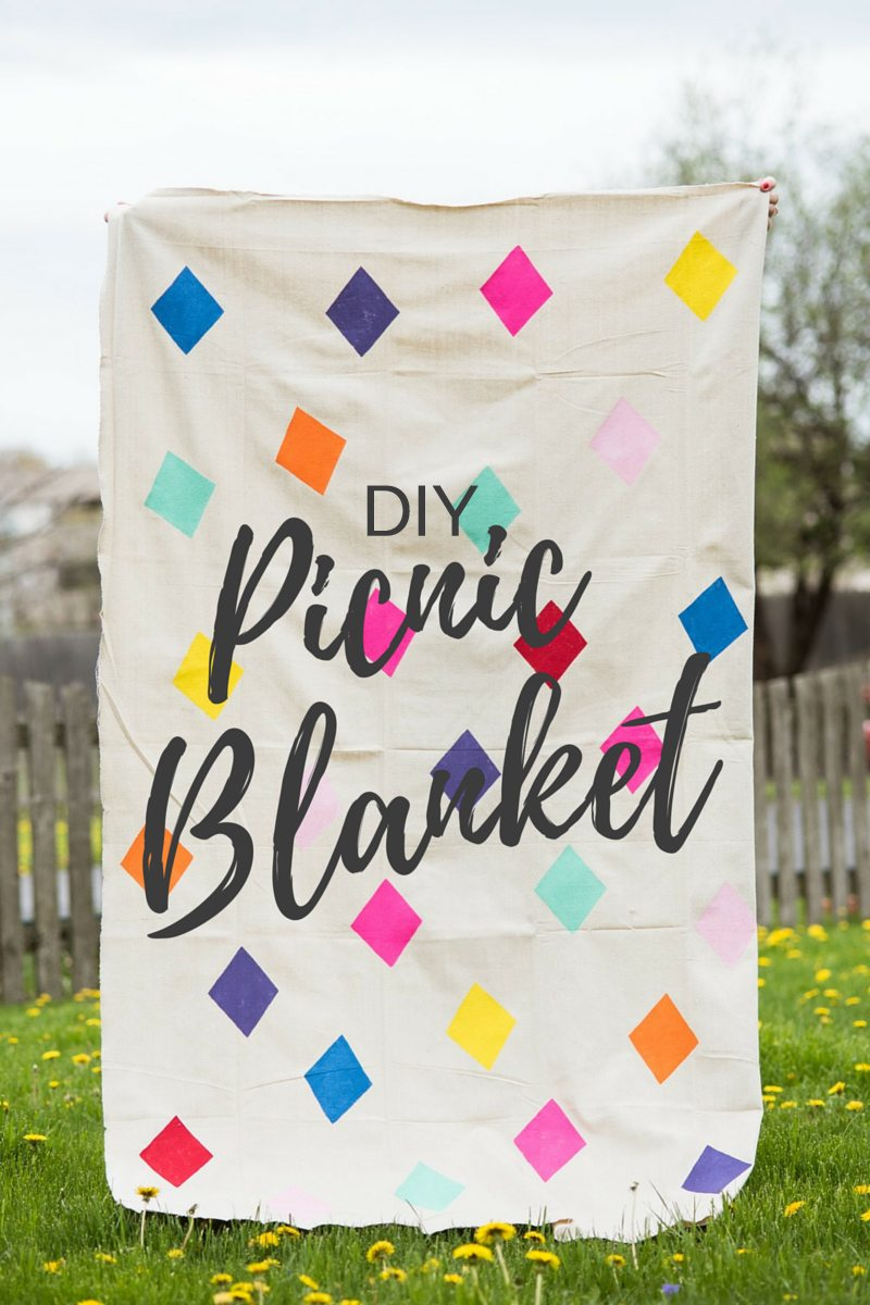 DIY Geometric Picnic Blanket - The Sweetest Occasion