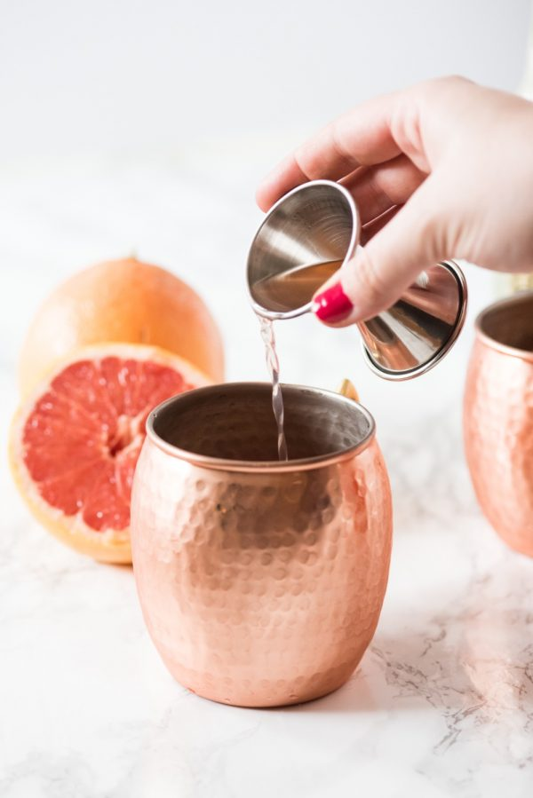 Grapefruit Moscow Mule Recipe | Cocktail recipes, party ideas and entertaining tips from @cydconverse - Repin to save or click through for the recipe!