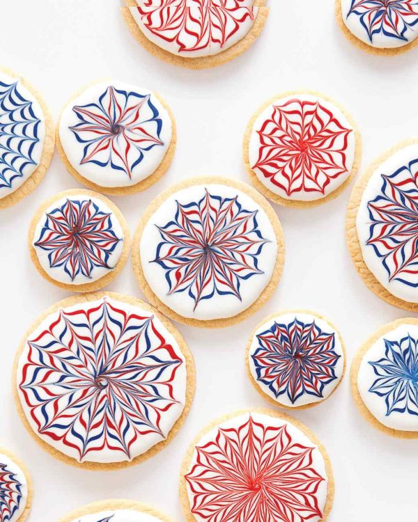 Fireworks Cookies | Patriotic 4th of July recipes from @cydconverse plus more 4th of July party ideas, entertaining ideas and more!