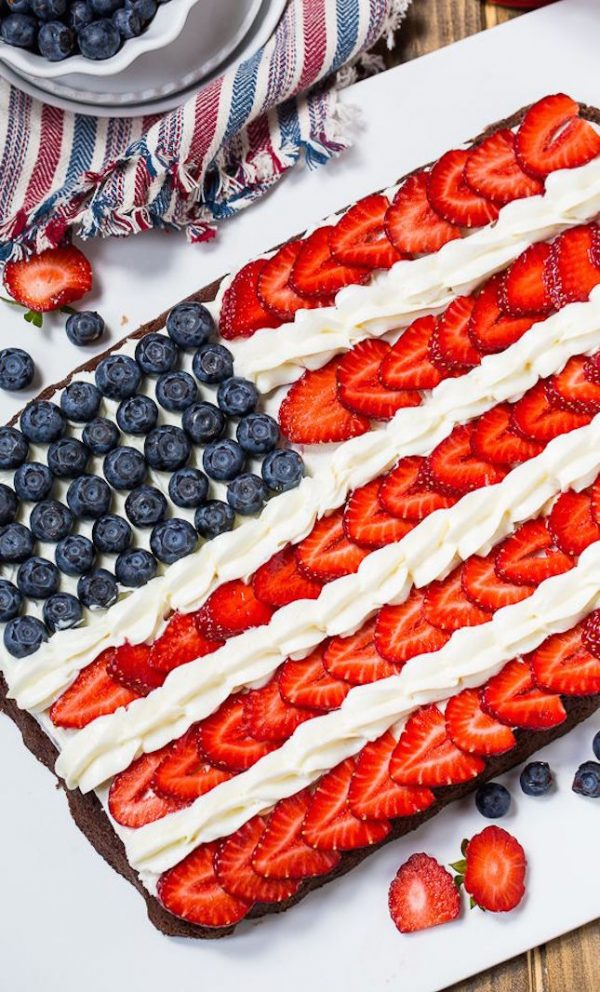 Red, White + Blue Flag Brownies | Patriotic 4th of July recipes from @cydconverse plus more 4th of July party ideas, entertaining ideas and more!
