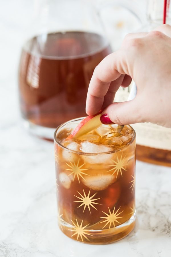 Peach Whiskey Smash Cocktail Recipe | Whiskey cocktails, cocktail recipes and entertaining ideas from @cydconverse
