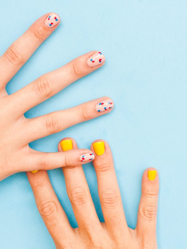 DIY Summer Nail Art | DIY ideas for summer beach days and other fun summer ideas from @cydconverse