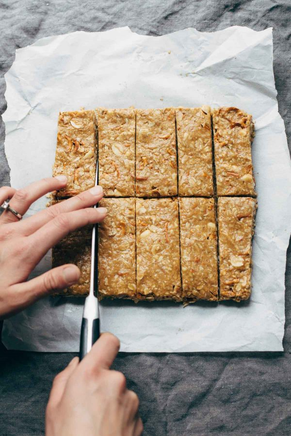 Homemade Chewy Granola Bars Recipe | 12 Delicious Camping Recipes from @cydconverse plus camping tips and a camping packing list!
