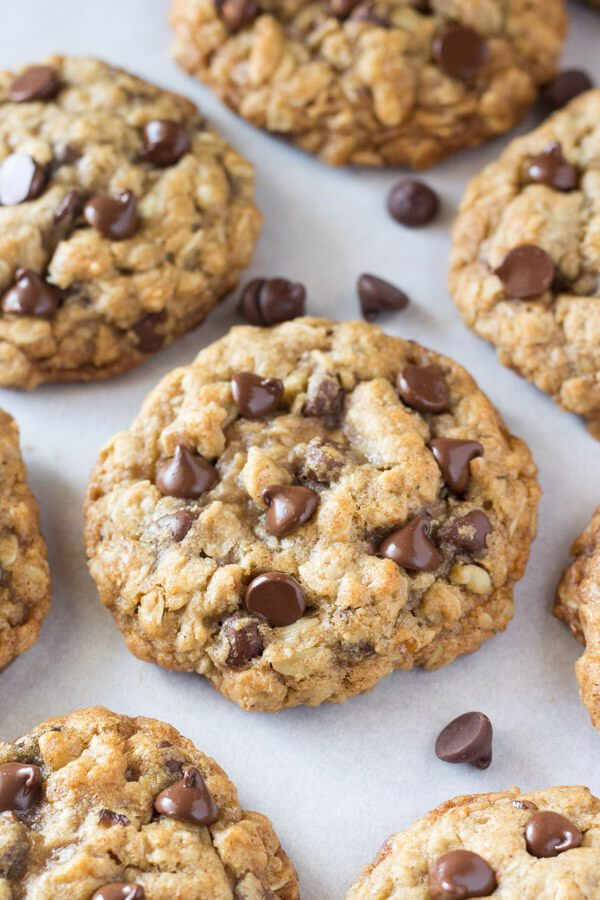 Chewy Oatmeal Chocolate Chip Cookies | Best chocolate chip cookie ...