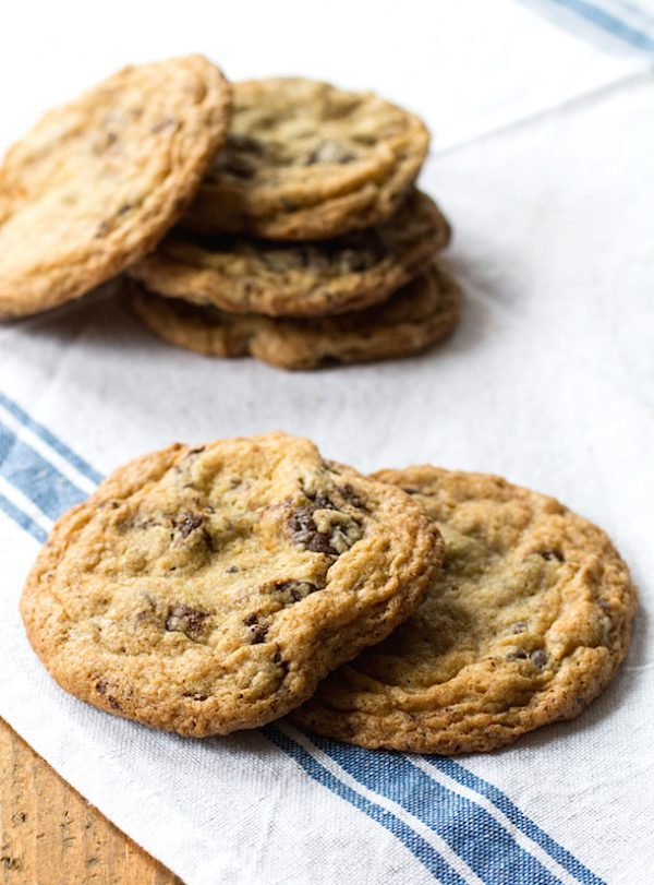 Best Gluten-Free Chocolate Chip Cookies | Best chocolate chip cookie recipes, entertaining tips and party ideas from @cydconverse