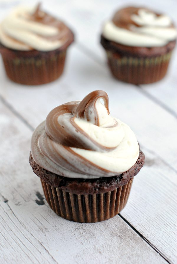 Nutella Swirl Cupcakes | Best Nutella recipes and Nutella dessert recipes from @cydconverse