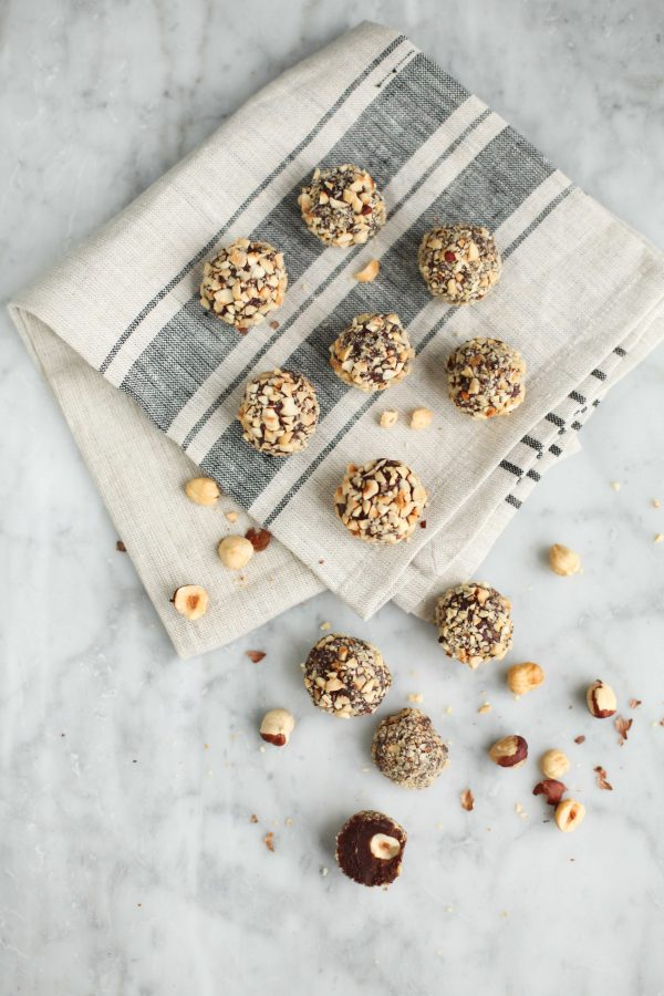 Nutella Truffles | Best Nutella recipes and Nutella dessert recipes from @cydconverse