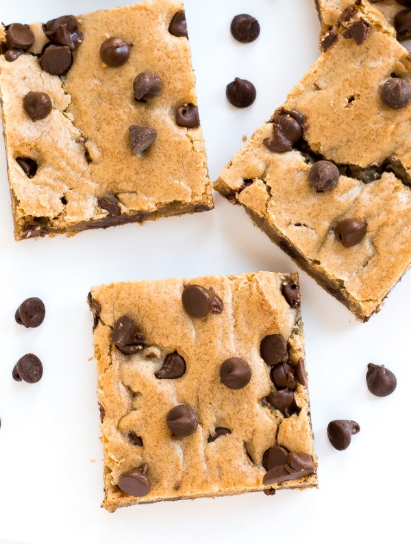 Peanut Butter Chocolate Chip Cookies | Best chocolate chip cookie recipes, entertaining tips and party ideas from @cydconverse