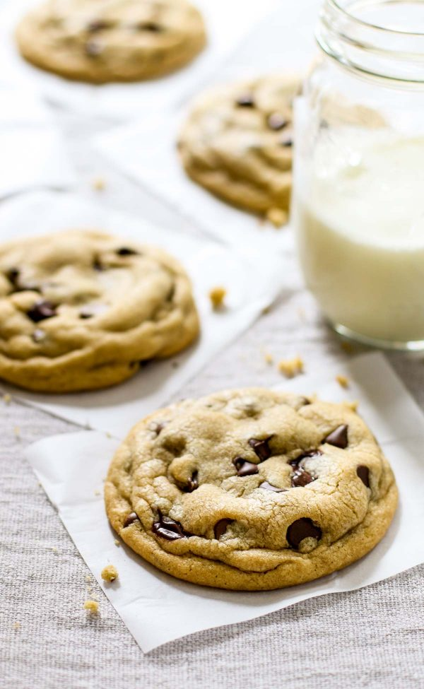 Soft Chocolate Chip Cookies | Best chocolate chip cookie recipes, entertaining tips and party ideas from @cydconverse