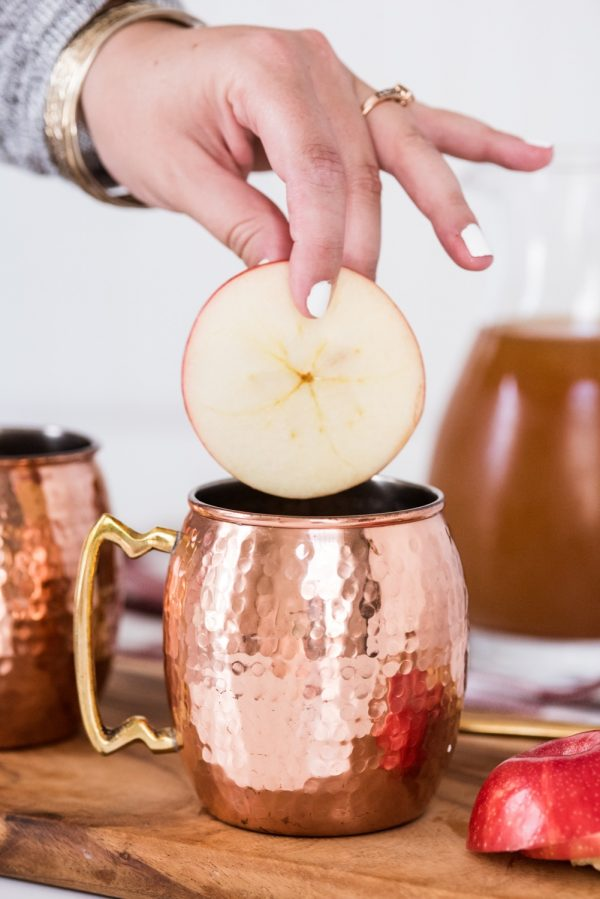 Apple Cider Moscow Mules | Cocktail recipes, party ideas, entertaining tips, recipes and more from @cydconverse