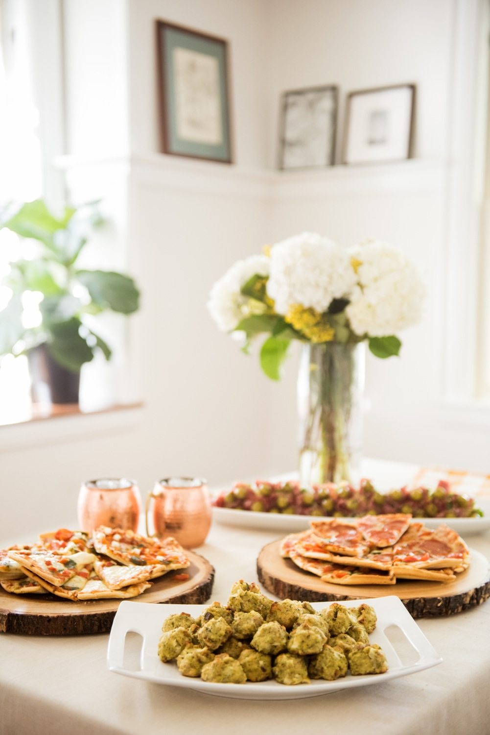 Our cozy fall housewarming party the sweetest occasion for Finger food ideas for housewarming party