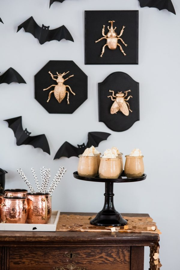 Spooky Halloween Party Decor Ideas | @cydconverse