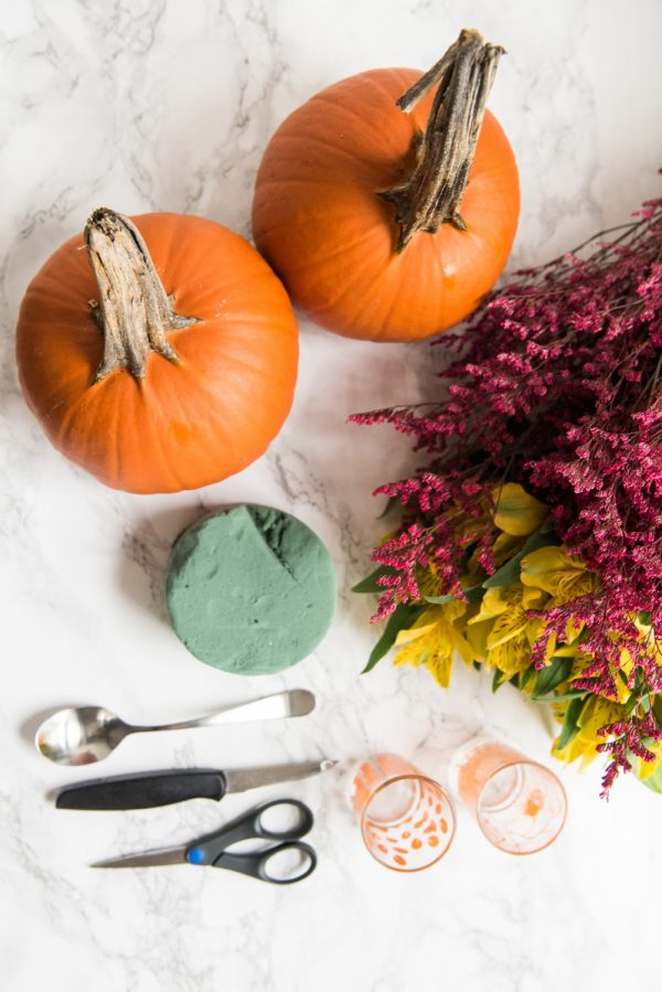 DIY Pumpkin Flower Arrangements | Thanksgiving ideas, Thanksgiving crafts, Thanksgiving table ideas and more DIY projects from @cydconverse